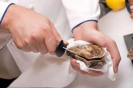 Austernmesser zum Austern öffnen